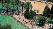 El llac de la Creueta del Coll - public swimming pool