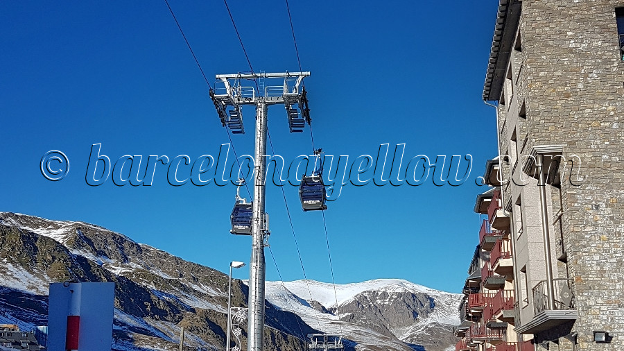 900x506_andorra-cable_car_snow