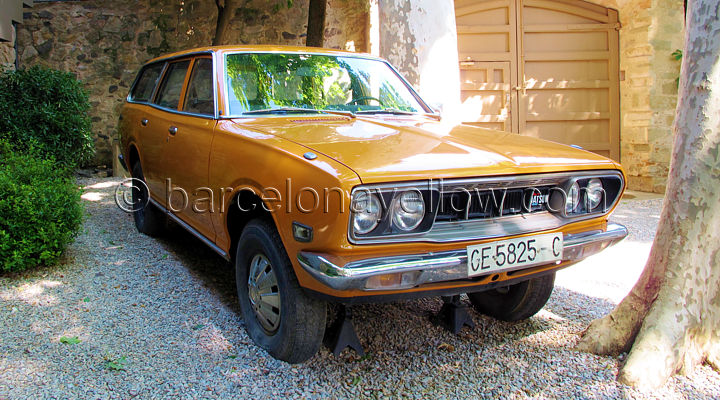 salvador_dali_datsun610_at_pubol
