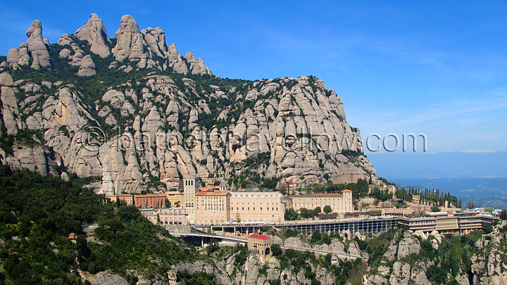 Montserrat monastery Dan Brown Origin novel